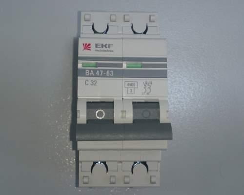Автоматический выключатель 2п 32А С 4,5кА EKF